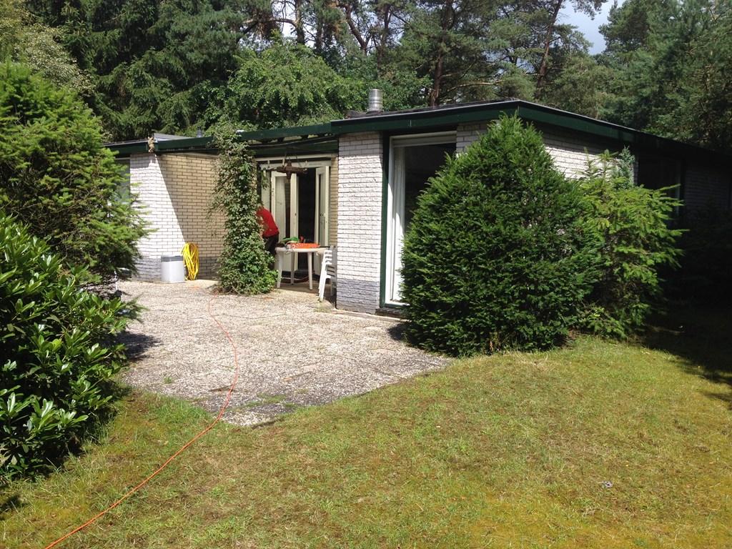 Boek hier uw vakantie op de Veluwe (Nunspeet) in een zeer ruime bungalow voor een vaste verlaagde prijs.Veel privacy,leuke vakantieomgeving.