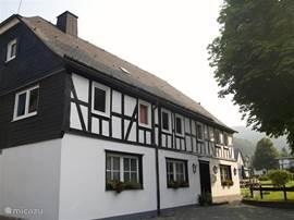 Sfeervol vakwerkhuis in een prachtig dorpje