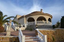 Casa Dana  veel privacy, mooi hoog gelegen en vandaar een heerlijk uitzicht.