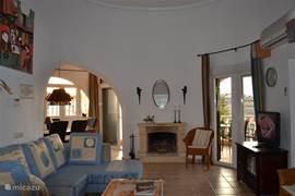 woonkamer met heerlijke relax-bank voor de TV