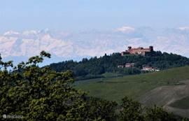 Uitzicht op kastelen en Alpen