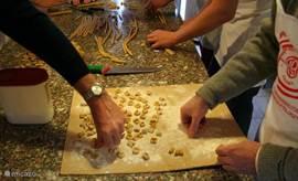 Zelf pasta leren maken tijdens onze kookcursus