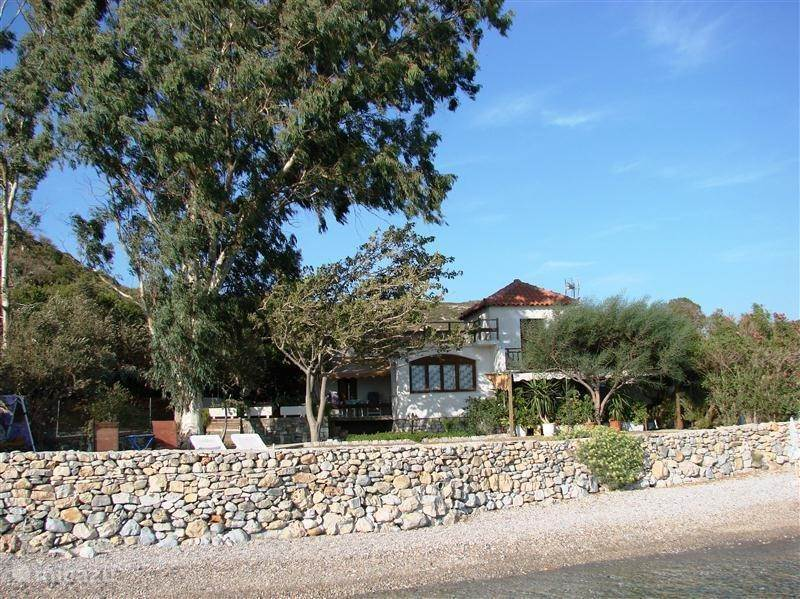 Vacation rental Greece, Samos, Klima Bay - villa Villa Eleni *** SAMOS