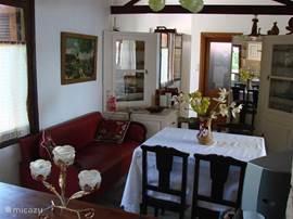 Keuken/zit-eetkamer