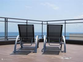 Vanaf het dakterras adembenemende uitzichten op de Middellandse Zee.