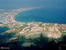 Door de unieke ligging van Villa Pastorale hebt u een prachtig uitzicht op de Middellandse Zee, binnenzee Mar Menor en de Mangastrip.