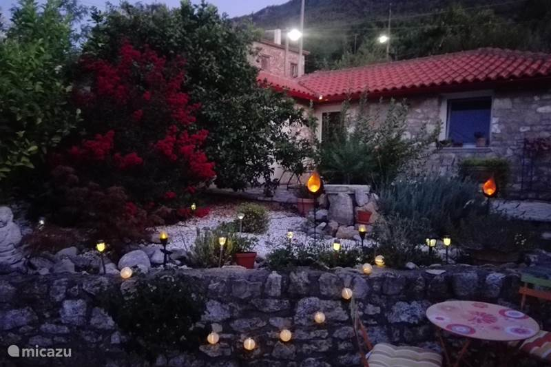 Vakantiehuis Griekenland, Peloponnesos, Aigio Vakantiehuis Huis Olijfje