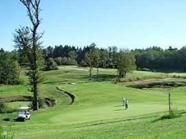 Golf de la Preze is een uitdagende 18 holes golfbaan op een half uurtje rijden.