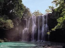 Deze fraaie watervallen kunt U bezoeken vanuit Monte Terras.