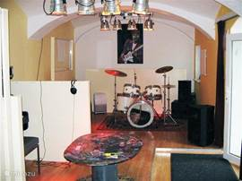 As an added attraction we have a well insulated sound studio, suitable to rehearse and record.