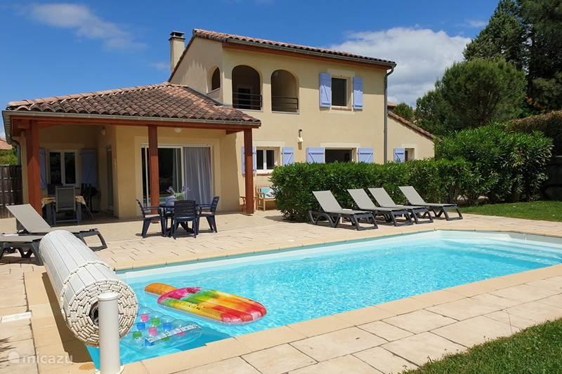 Vacation rental France, Ardèche, Vallon-Pont-d'Arc Villa Villa Aux Lions