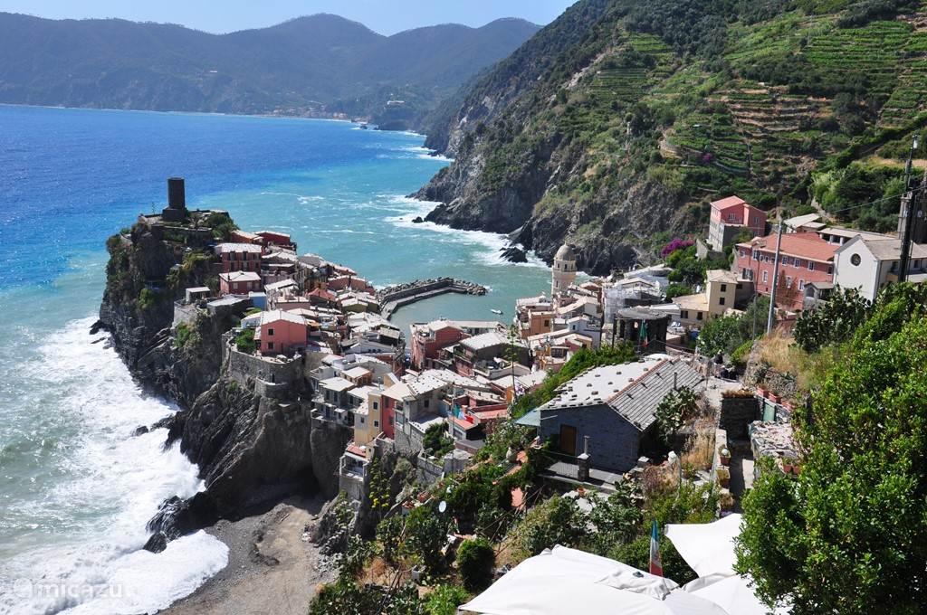 Cinque Terre. Weliswaar iets verder rijden maar zeker de moeite van een dagtocht waard.