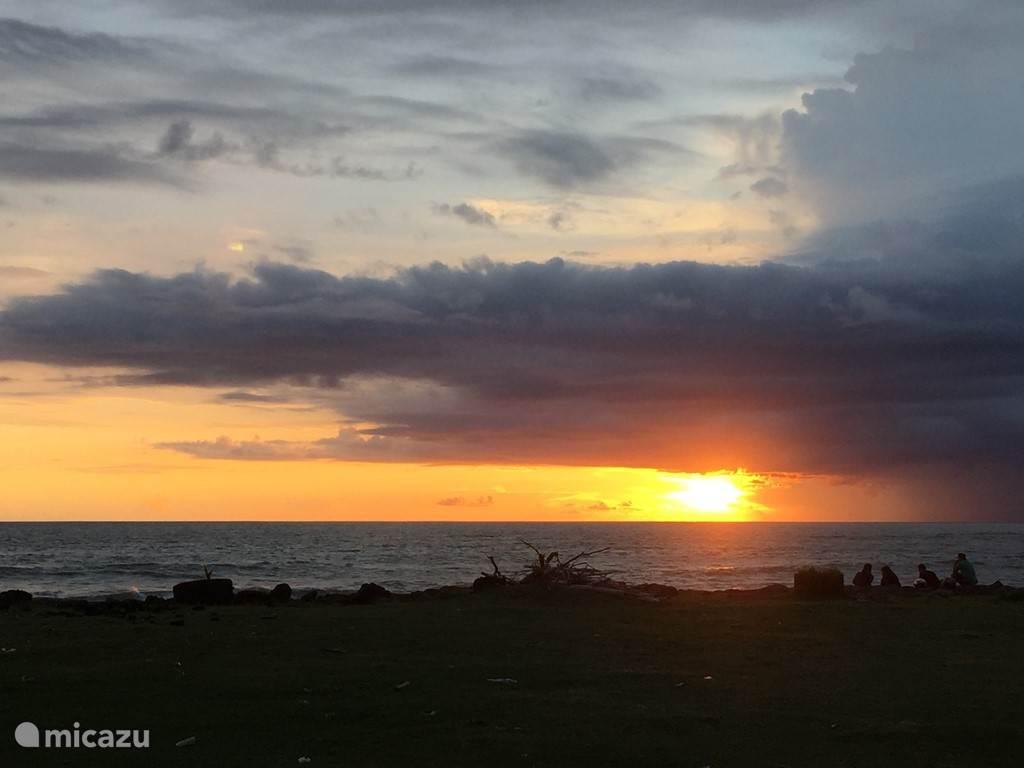 sunset Seh Seh beach