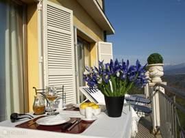 'Maestro'(95m2) prachtig appartement, aan drie zijden omgeven door zonnige terrassen met  adembenemend uitzicht.....