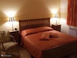Impressie slaapkamer begane grond. Alle slaapkamers zijn voorzien van airco.