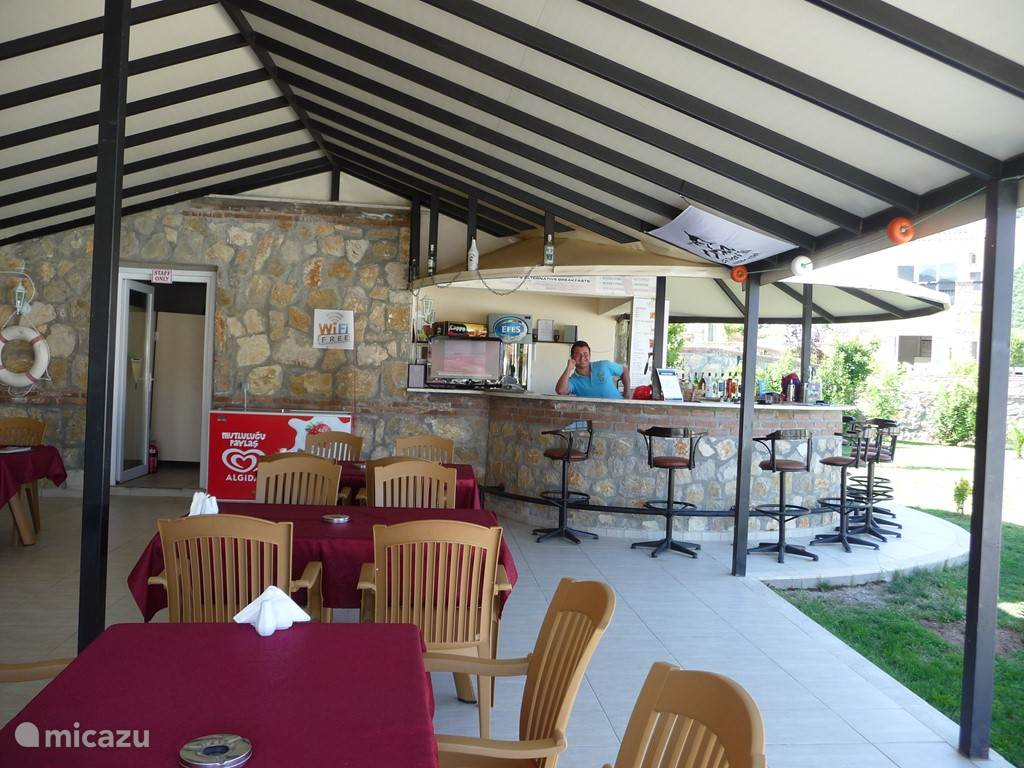 bar, restaurant op Orkapark