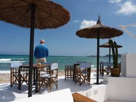 La Siesta in Javea. Direct aan zee genieten van een drankje.