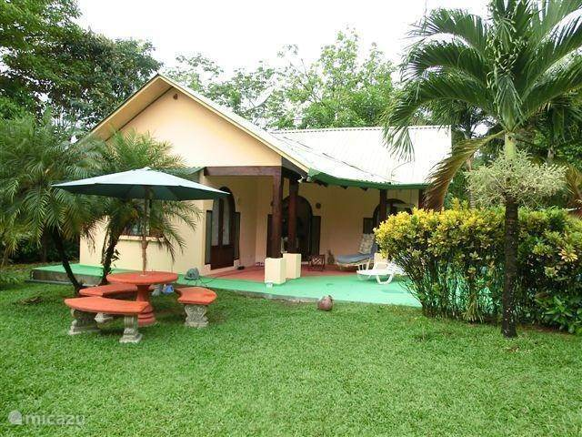 Vacation rental Costa Rica, South – bungalow Poema Tropicale