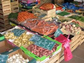 In de wijde omgeving zijn vele lokale en zeer gezellige markten te vinden. Hier worden veelal streekproducten verkocht.