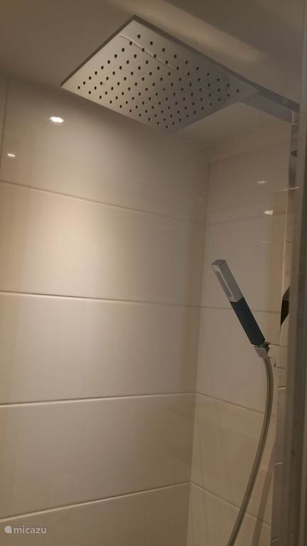 stortdouche (heeft iedere douche)