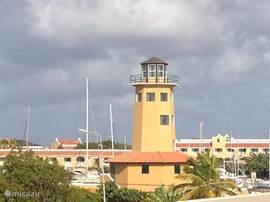 Op een kleine 100 meter afstand van Harbour Village of Playa Lechi