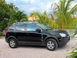 De voordelig bij te huren auto is een Chevrolet Captiva Sport. Deze SUV biedt gemakkelijk plaats aan 5 personen. De auto is voorzien van airco en een automatische koppeling waardoor u zeer ontspannen het eiland verkend.
