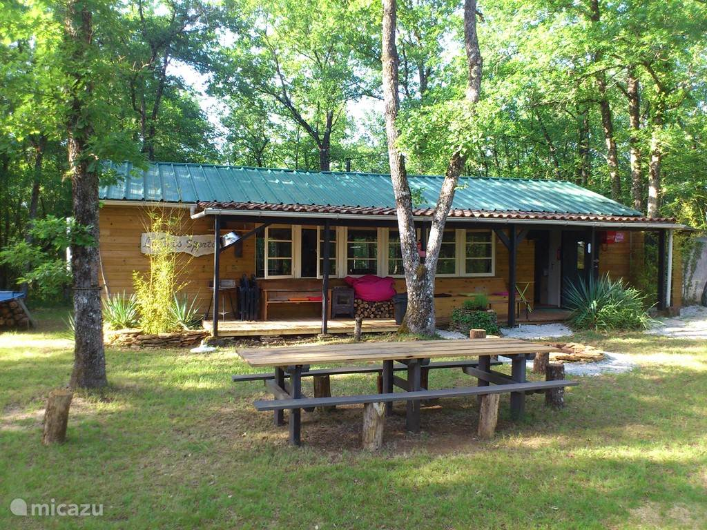 Vacation rental France, Dordogne – holiday house Le Bois Sportif!