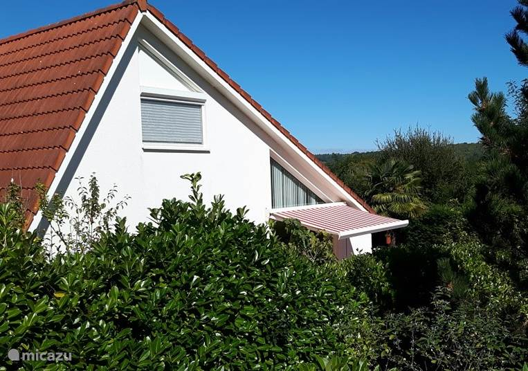 Our villa120 located on top of a hill in the most beautiful park of France.