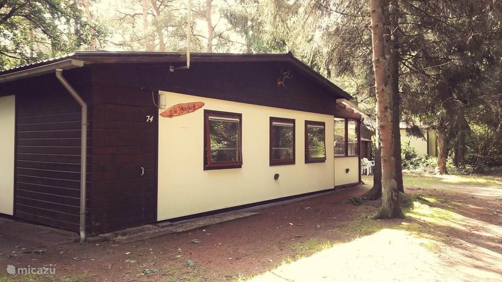 Voorkant van de bungalow