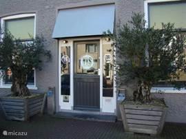 Visrestaurant 'Vis aan de Markt' op de Hoge Markt in Scherpenisse