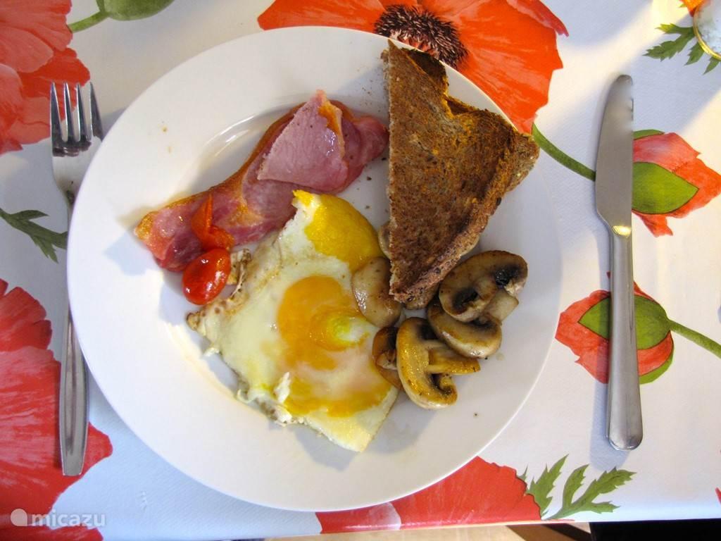 ... met een Engels ontbijt ...