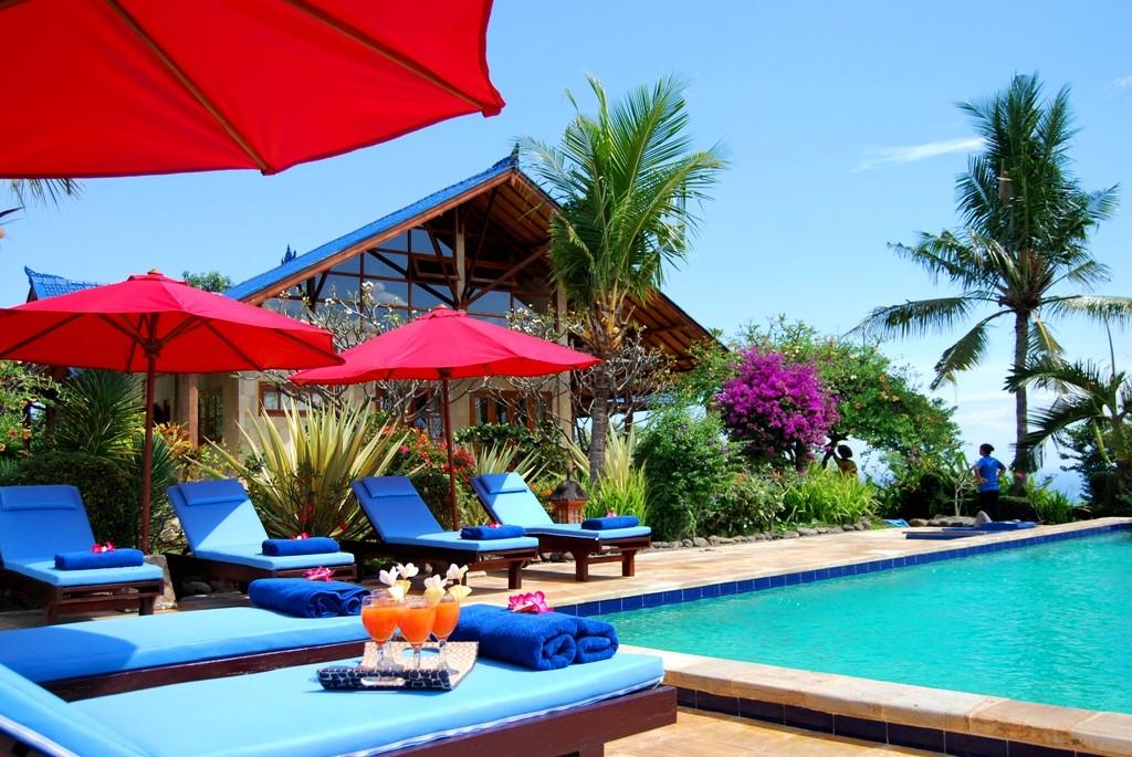 BOEK IN APRIL OF MEI 2016: KORTING 20 %, o.a. incl. ontbijt en wifi. Vrijstaand- zeezicht- privé zwembad - dichtbij strand. Authentiek Bali.