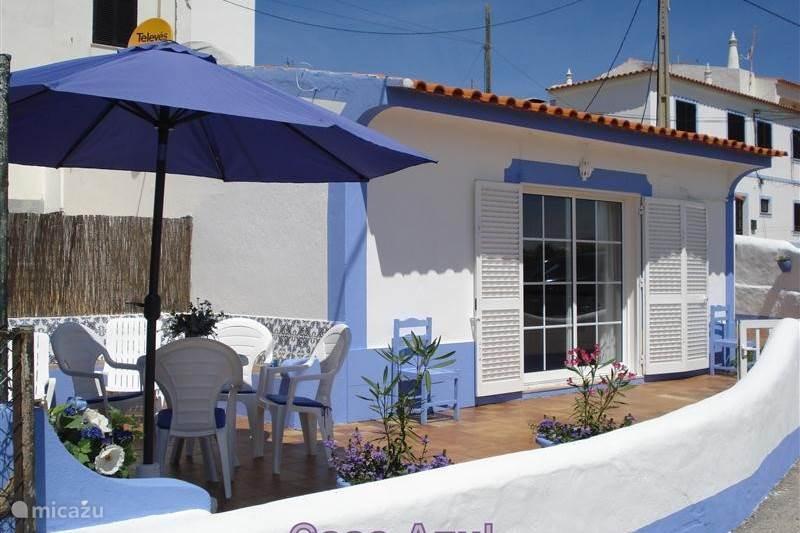 ferienhaus casa azul in benagil algarve portugal mieten micazu. Black Bedroom Furniture Sets. Home Design Ideas