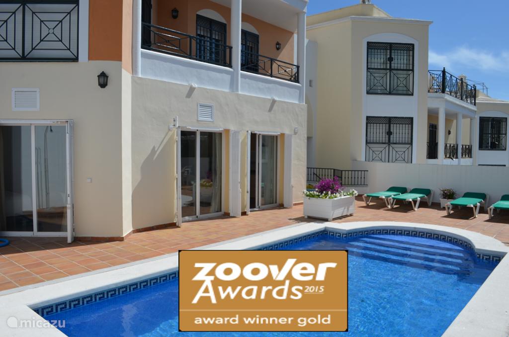 Prachtig appartement met privé zwembad (tevens villa te huur 8-11 pers.)