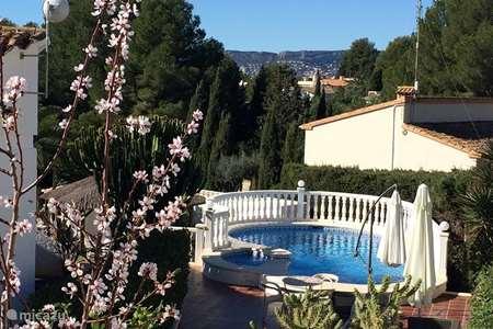 Vacation rental Spain – bungalow Villa Carpe Diem