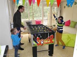 Ook bij minder goed weer kunnen de kinderen zich goed vermaken in onze binnenspeeltuin De Binnenhof