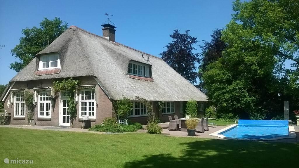 Bijzondere Huizen Nederland : Bijzondere vakantiehuizen jij kunt ze huren micazu