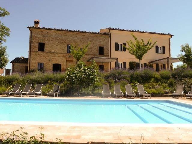 Vakantiehuis Italië, Marche, San Ginesio appartement Azienda Cerqueto - Intermezzo