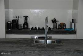Keuken is van alle gemakken voorzien inclusief Senseo koffiezet apparaat!