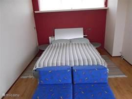 slaapkamer op 3e etage, waar ook het dakterras is