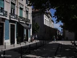 centrum in lissabon binnen 1 uur en kwartier bent in lissabon deze stad is zeker een bezoekje waard