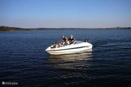 Spelevaren op het meer van ALQUEVA. maar ook waterskien, zwemmen,vissen etc.