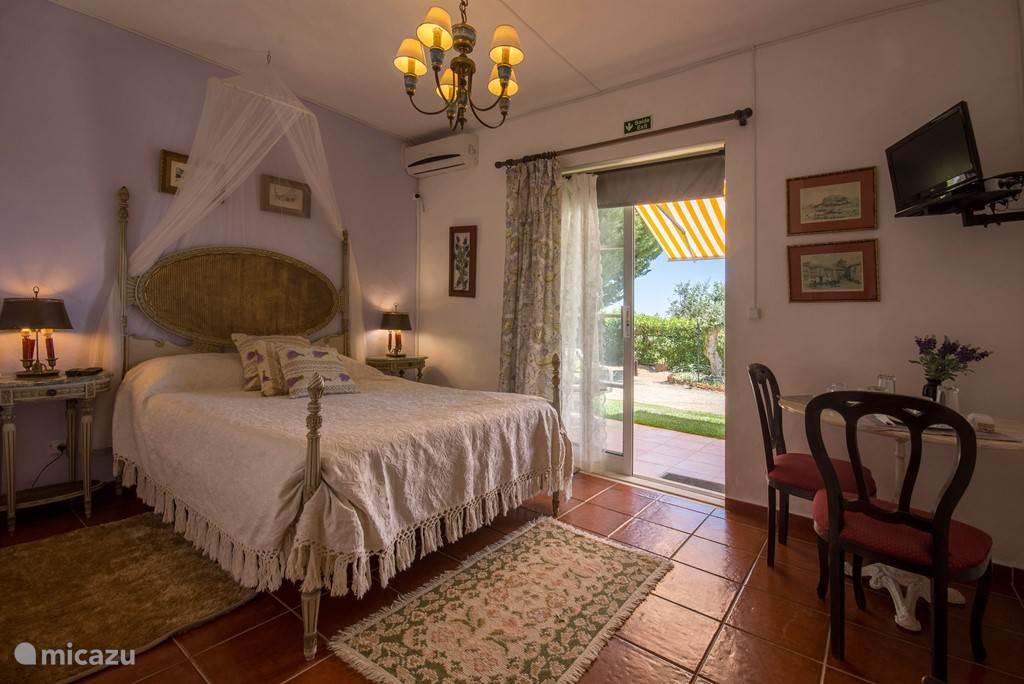 Suite ALFAZEMA 2 Adultos            € 55/noite (incl. Breakfast)