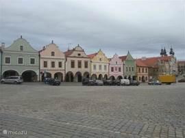 Telc nabij gelegen stad die op de Unesco lijst staat van wereld erfgoederen. Onder elk huis bevind zich een winkeltje. Voor meer info kunt u ons mailen.