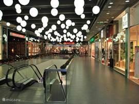 winkelcentrum in Jihlava citypark op 24km afstand van het vakantiehuis. Tientallen winkels restaurantjes, mode, elektronica,sportkleding, juweliers, en nog veel meer. Voor meer info kunt u ons mailen.