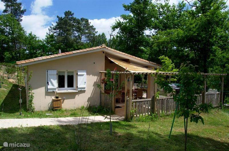 Vacation rental France, Charente, Brossac bungalow Domus Arietum