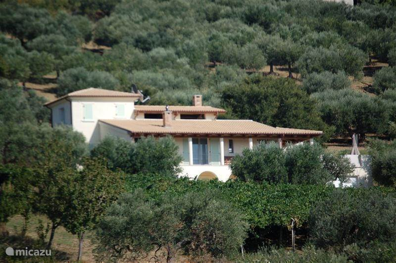 Vacation rental Italy, Molise – villa Molicasa