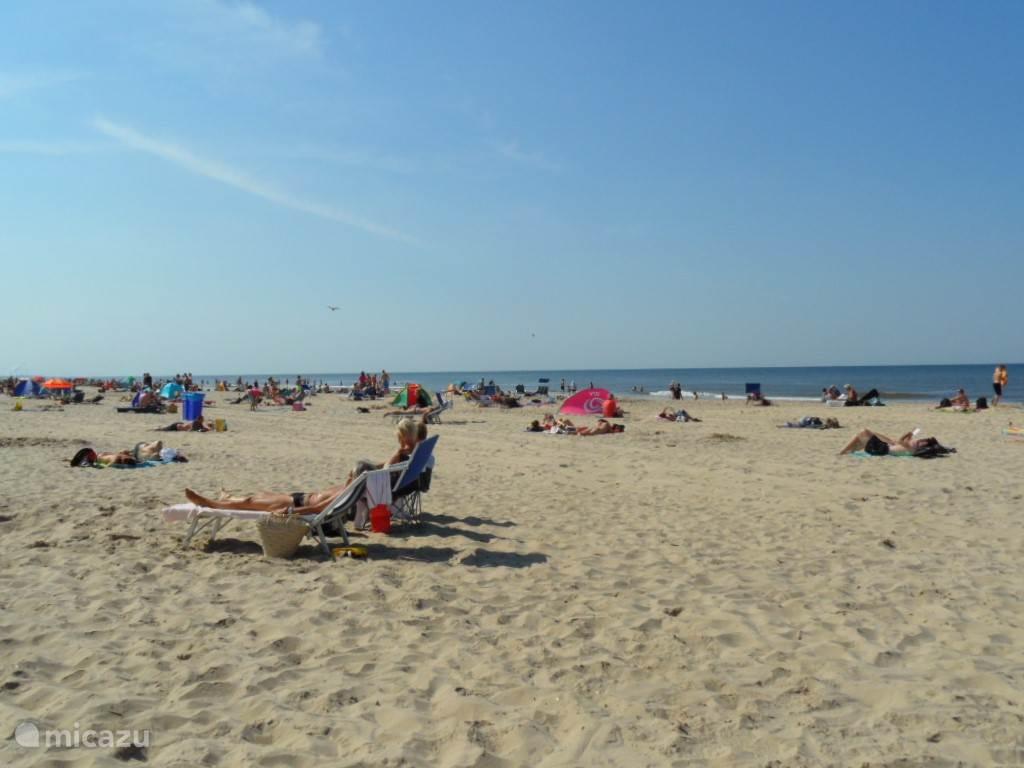 Heerlijk genieten op het mooie stand in Egmond aan Zee.