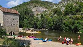 Canoeing on the river Aveyron
