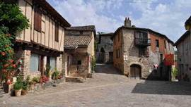 Penne-du-Tarn, is like many villages in the region without any modification serve as a backdrop for a medieval movie